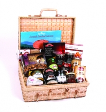 "The ""Dunvegan"" Scottish Hamper"