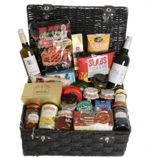 "The ""Ariel"" Hamper"